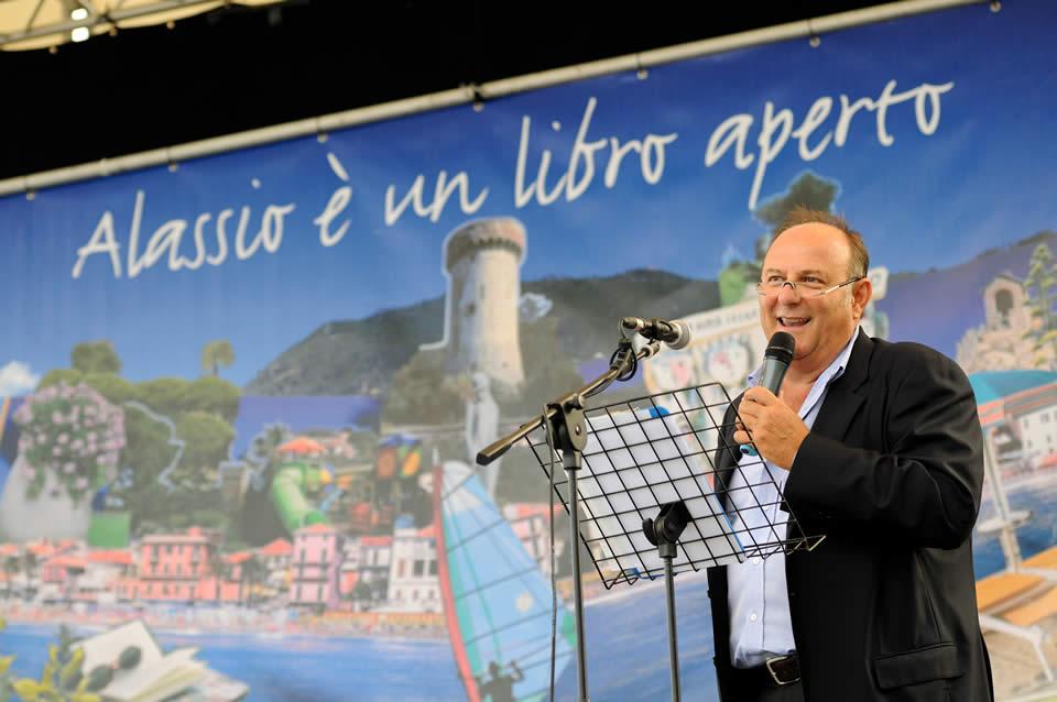 Premio Letterario Alassio Centolibri – Un Autore per l'Europa: cerimonia di premiazione con Gerry Scotti