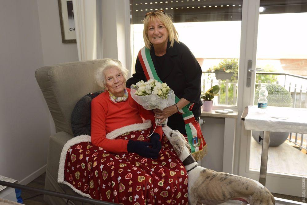 Buon compleanno a nonna Caterina: 102 candeline