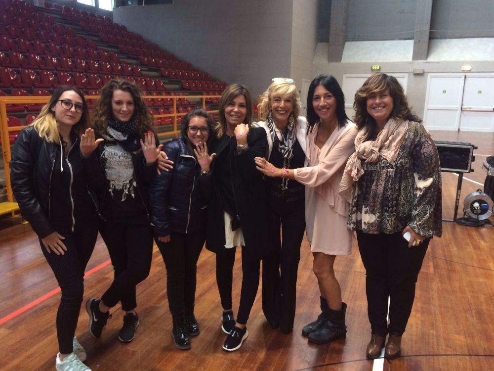 Alassio si tinge di rosa: la senologa Faedda incontra le scuole
