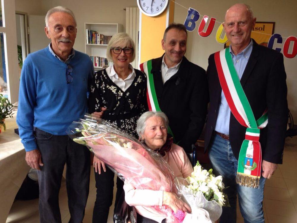 Cento candeline per la sig.ra Benedetta Gravagno