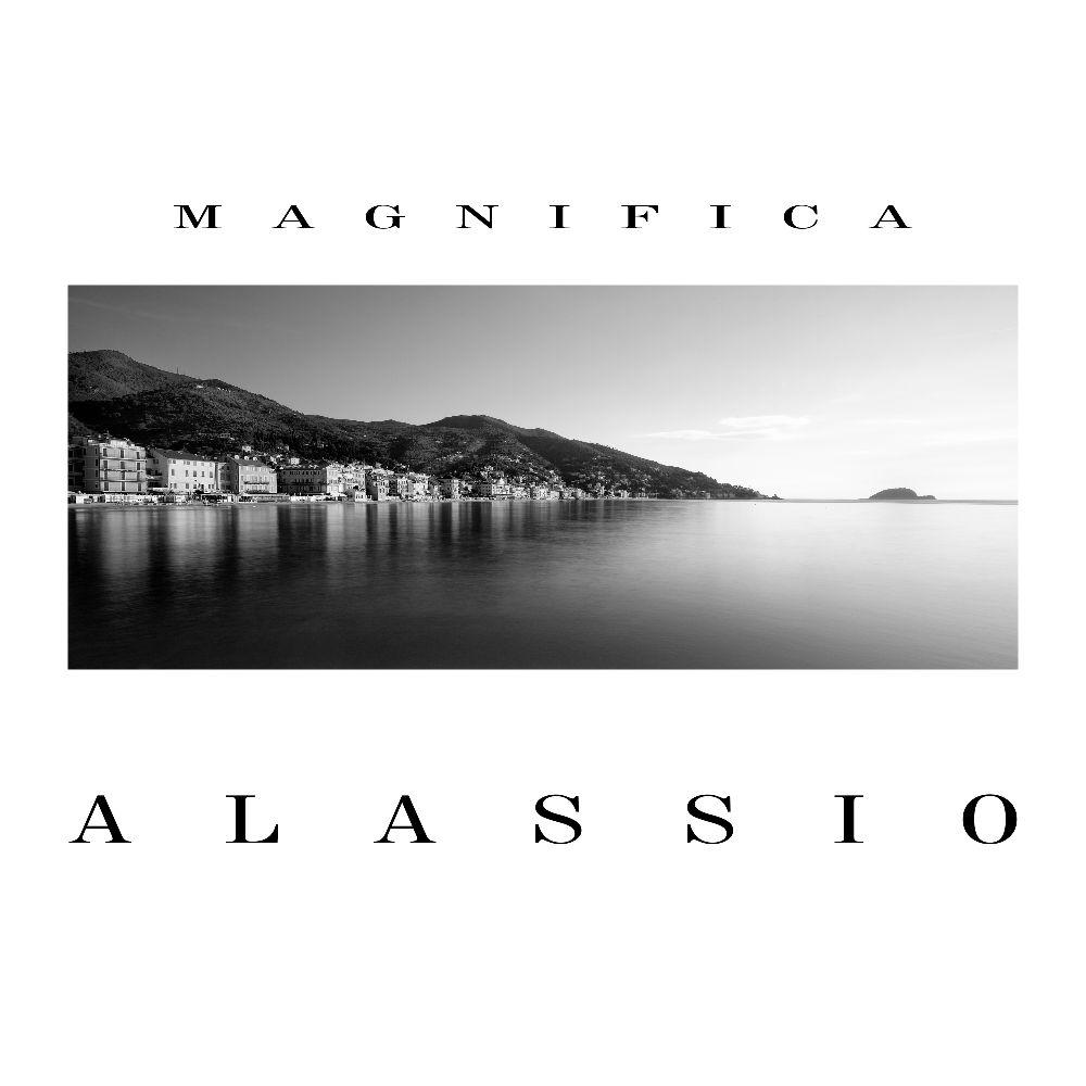 """Il Palazzo Comunale ospita l'esposizione fotografica """"Magnifica Alassio"""""""