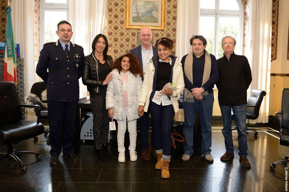 Un premio per l'intraprendenza e lo spirito civico di due bambine di Alassio