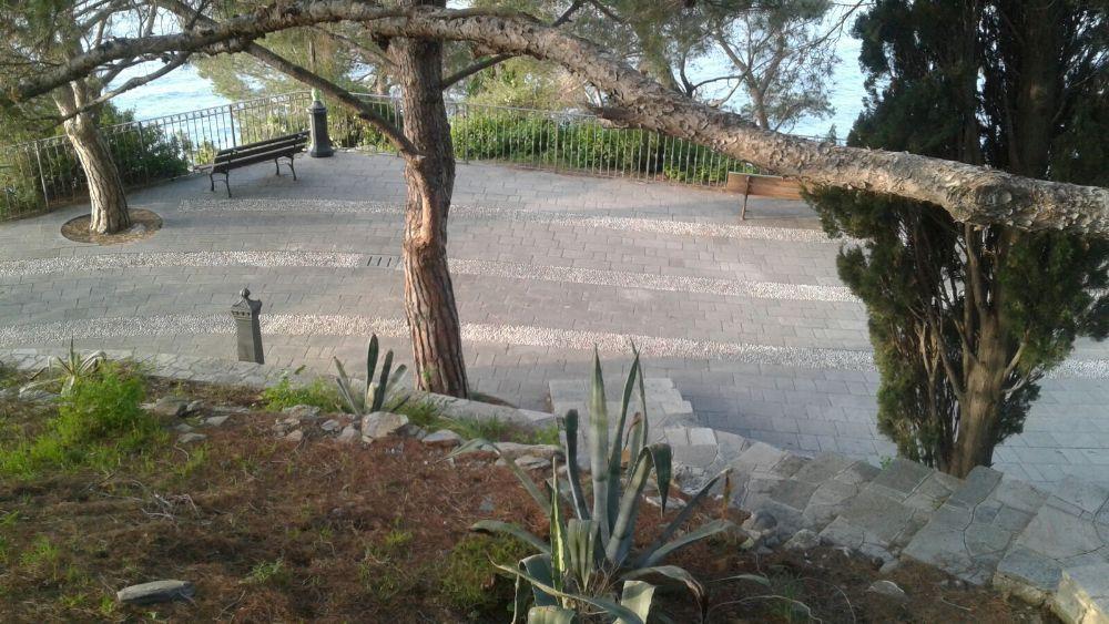 Interventi di pulizia nella zona di Santa Croce