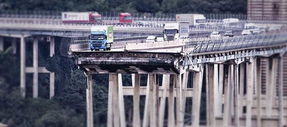 In Piazza De Ferrari a un mese dal crollo del Ponte Morandi: Alassio ci sarà