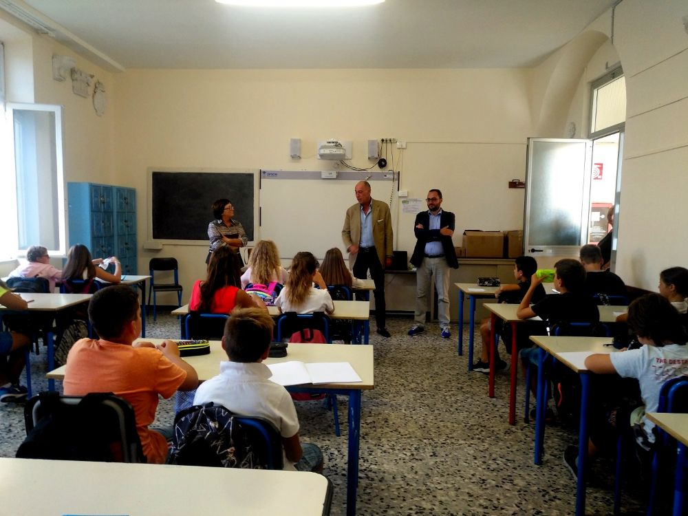 Primo giorno di scuola: il Sindaco ai Salesiani  saluta gli studenti delle medie Ollandini