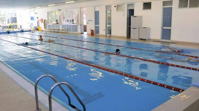 Riaperta la piscina comunale con l'iscrizione ai corsi