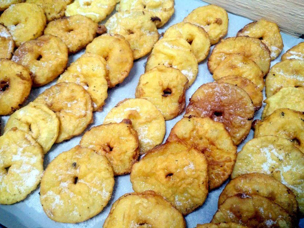 Dopo la ventre di Moglio, arrivano le frittelle di mele di Borgo Coscia