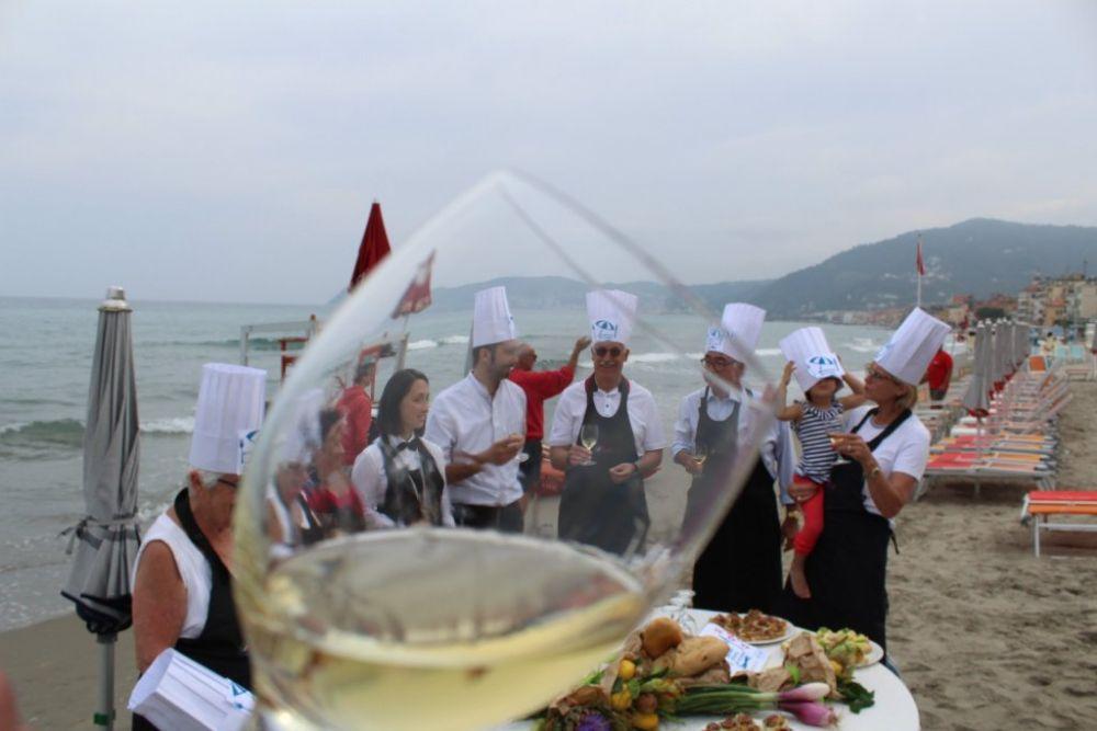 Scuola di cucina sotto l'ombrellone: via al turismo esperienziale