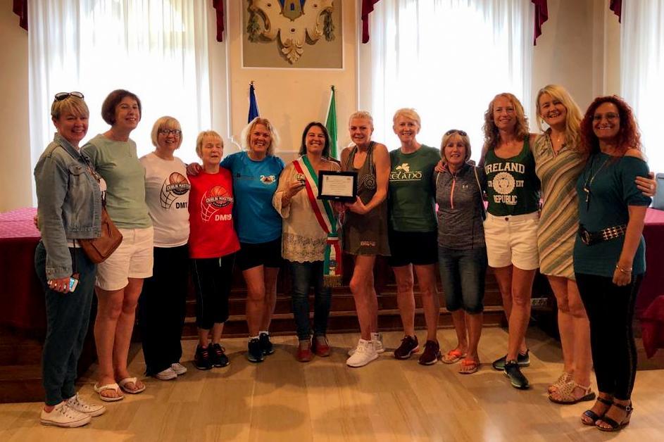 Cork Ladies da Dublino allaAlassio Cup Over 40 contanto amore per Alassio