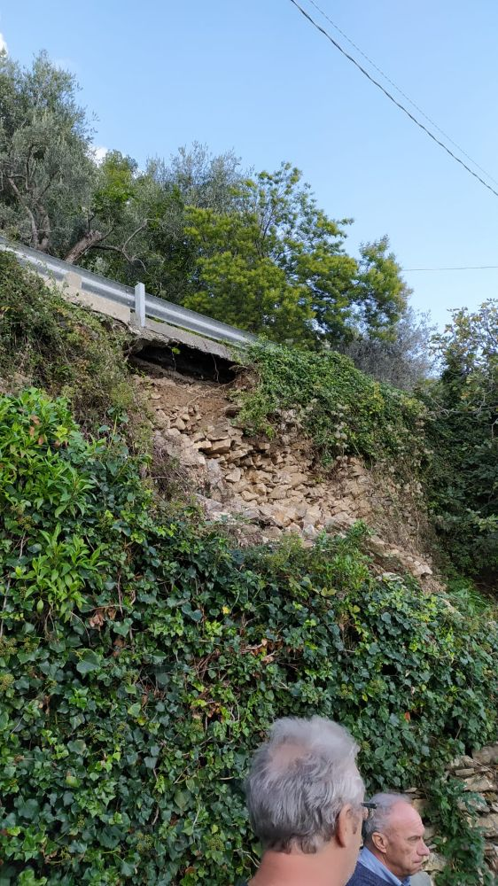 Lavori in corso: sopralluogo alla frana di Moglio e scavi archeologici via Pera