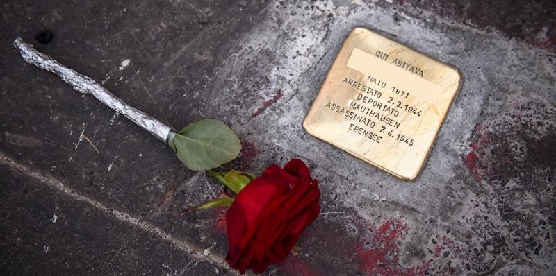 In Passeggiata Baracca pietre d'inciampo per i deportati della Seconda Guerra Mondiale