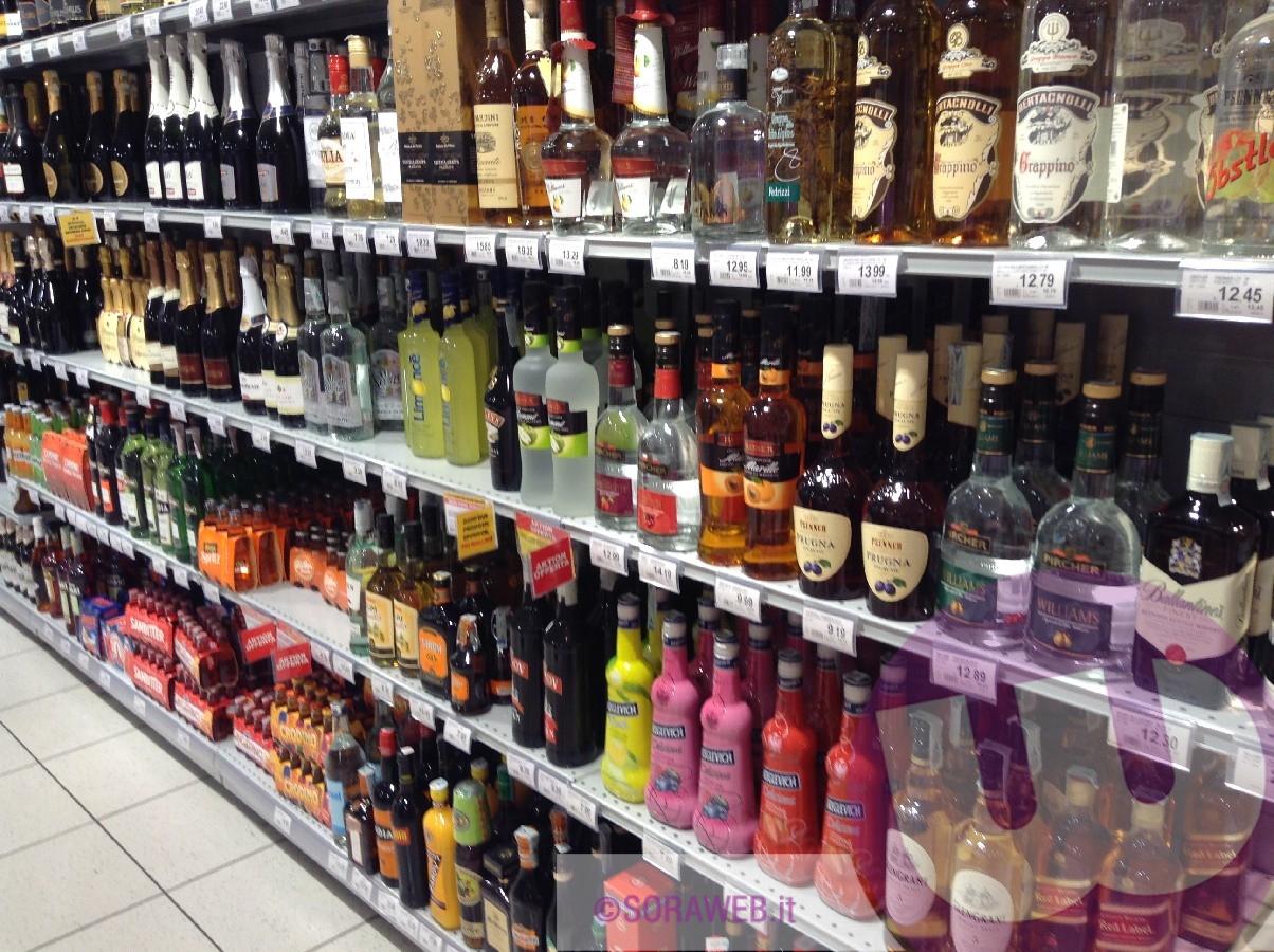 Giro di vite sulla vendita di alcolici: Alassio alza l'asticella dei controlli nei fine settimana
