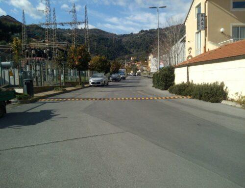 Un dosso alla Fenarina, nuovi asfalti e segnaletica orizzontale